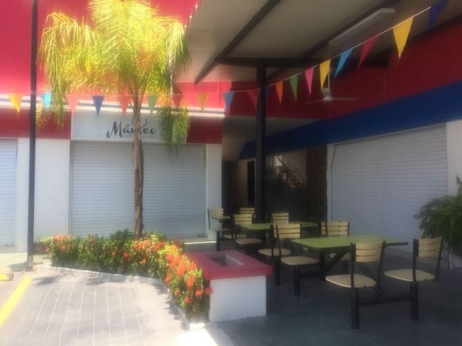 Se vende local en Plaza Najera