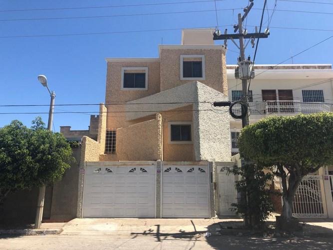 Se renta casa en Colonia Tellerías